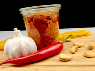 Selbstgemachtes Pesto Rosso