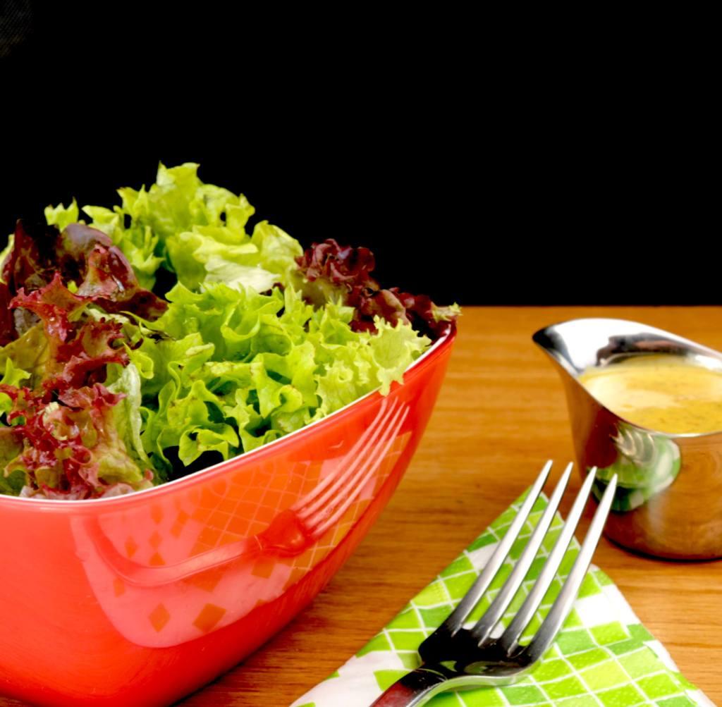 Serviervorschlag Salat Trio mit einem süßen Senf Dressing