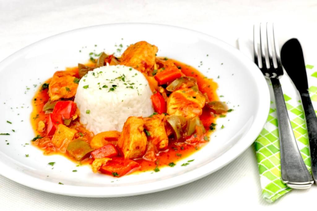 ZubereitungScharfes Paprika Hähnchen Gulasch