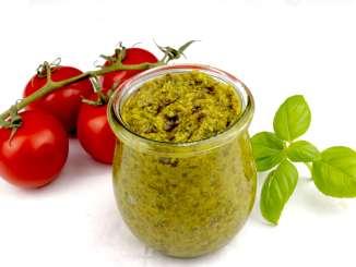 Einfaches Basilikum Pesto Rezept