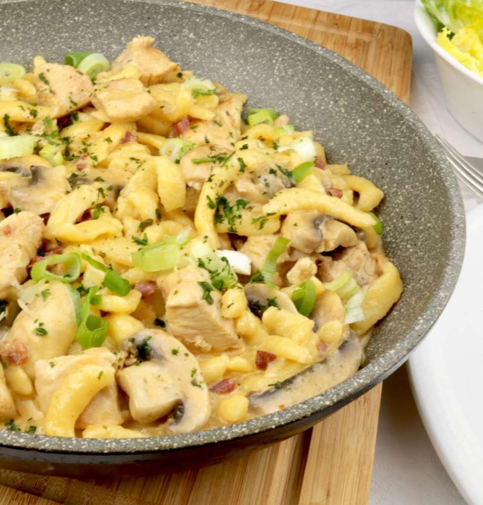 Zubereitung Champignon Hähnchen Spätzle Pfanne