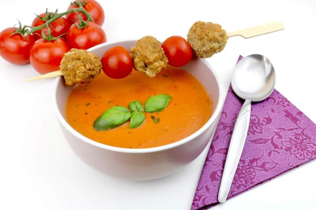 Tomatensuppe mit Ziegenkäse