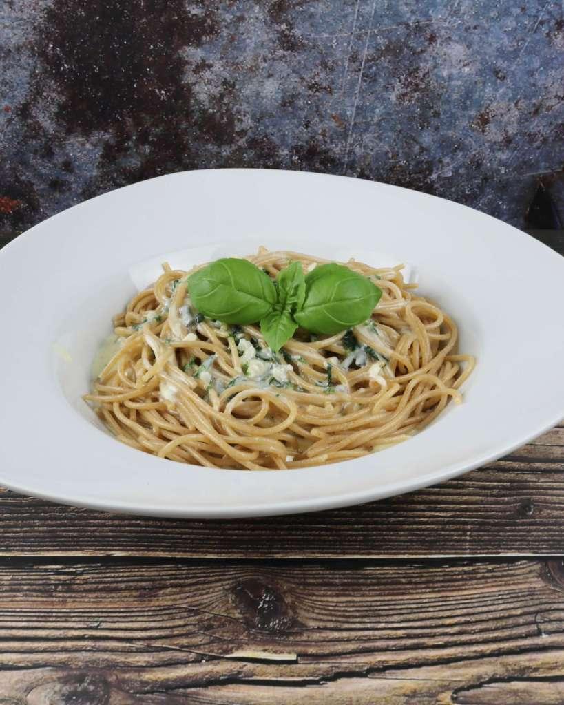 Serviervorschlag Vollkorn Spaghetti mit Gorgonzola Sauce