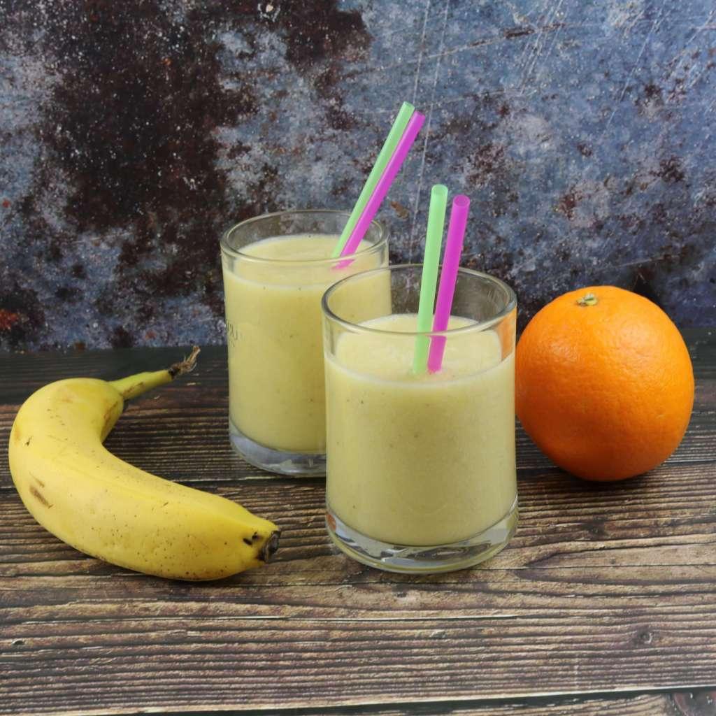 Zubereitung Bananen Orangen Kokos Smoothie