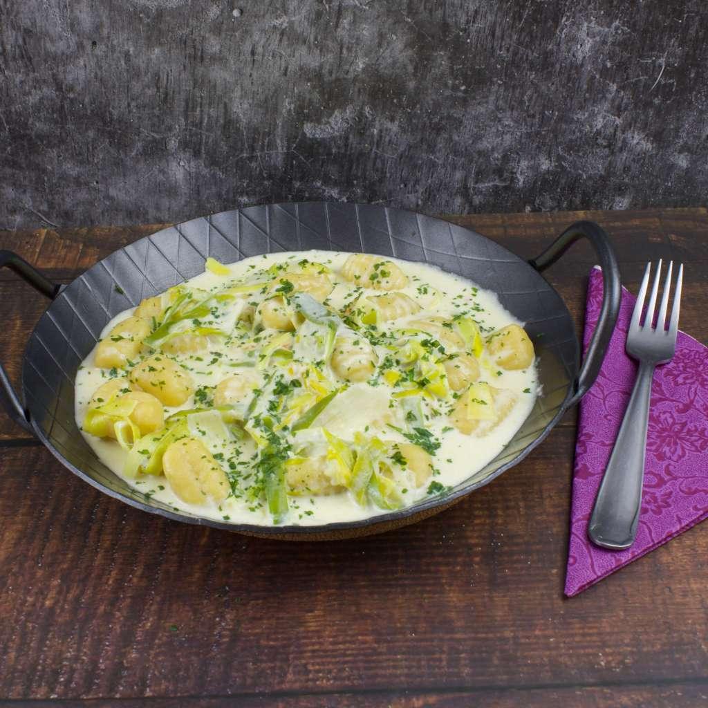 Zubereitung Gnocchi Käse Porree Pfanne
