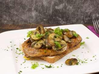 Steak Sandwich mit Champignons
