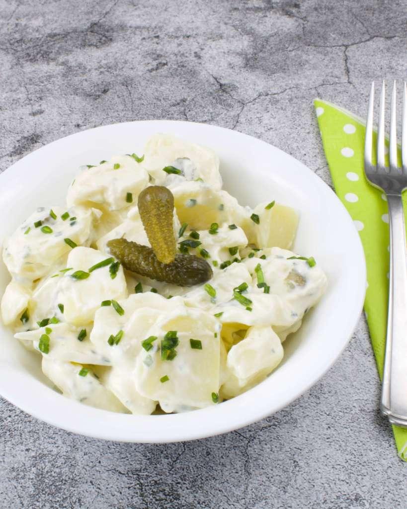 Serviervorschlag Kartoffelsalat mit Saurer Sahne