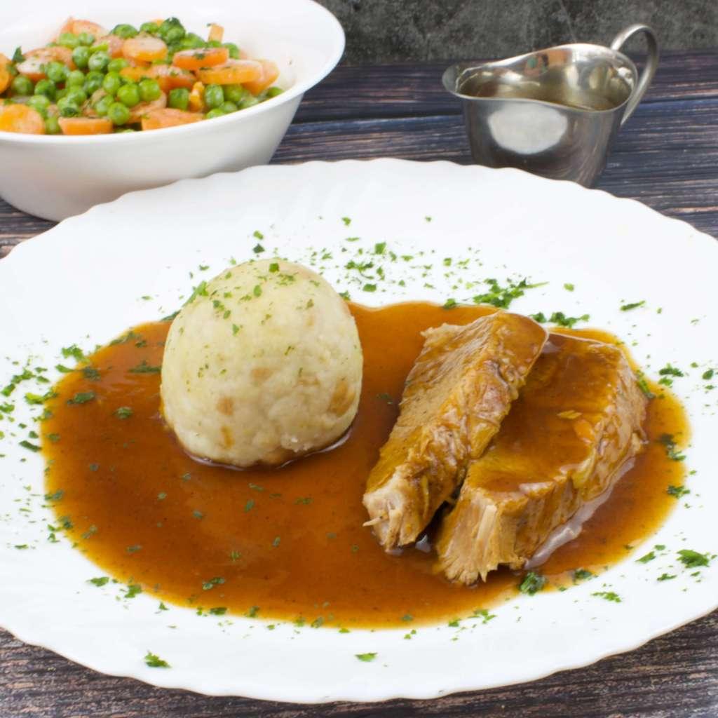 Sonntagsbraten vom Schwein mit Sauce