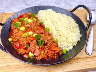 Vegetarische Paprika Pfanne mit veganem Hack