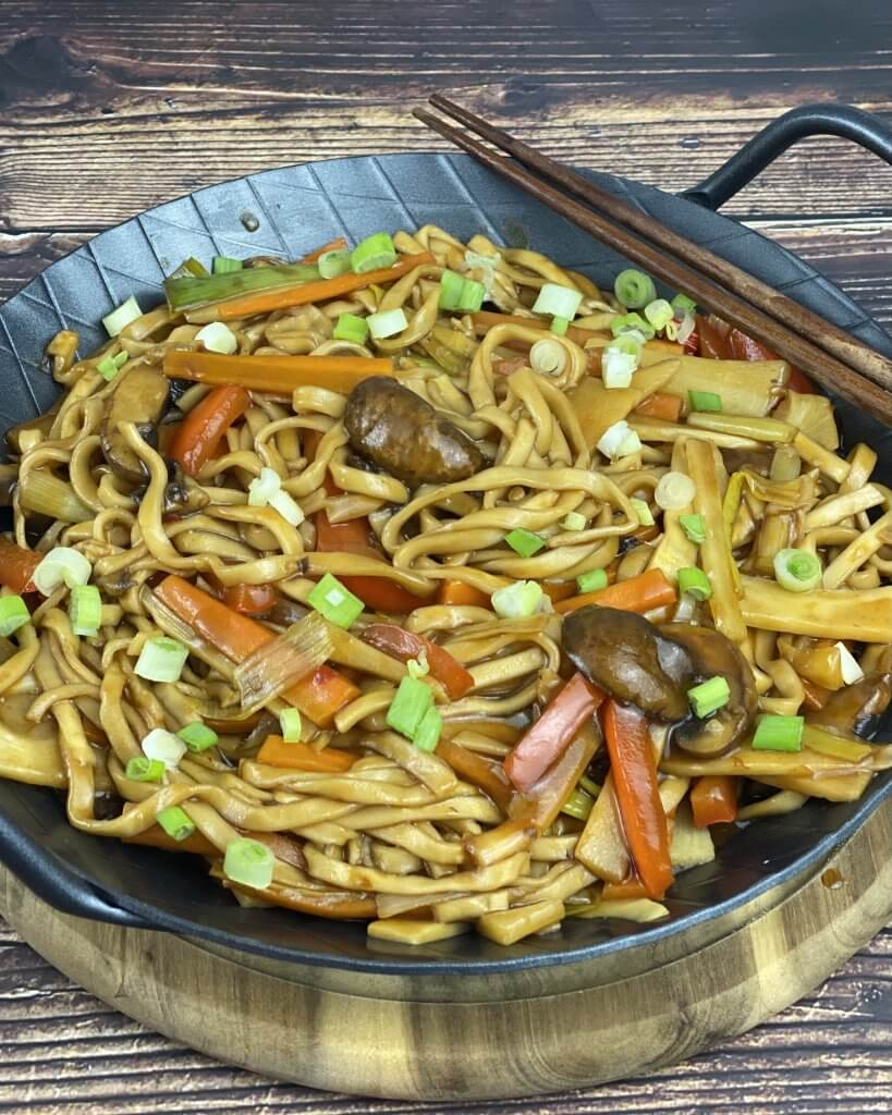 Zubereitung Asia Gemüse Nudelpfanne