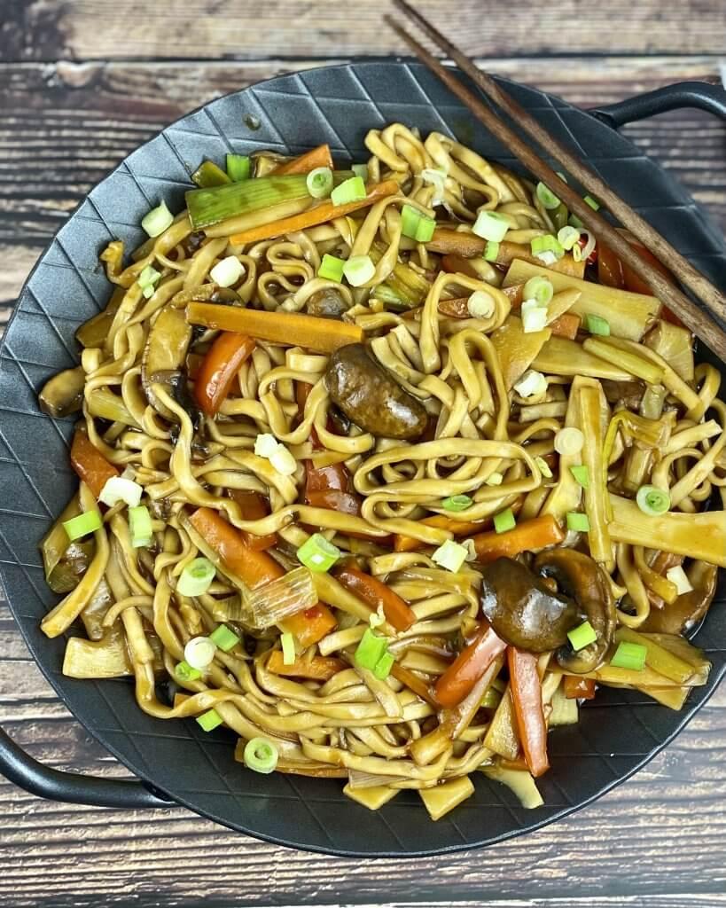 Serviervorschlag Asia Gemüse Nudelpfanne