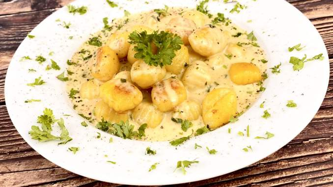 Gnocchi mit einer Honig Senfsauce