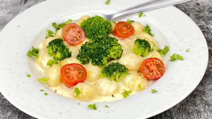 Gnocchi Brokkoli Pfanne mit Gorgonzola Sauce