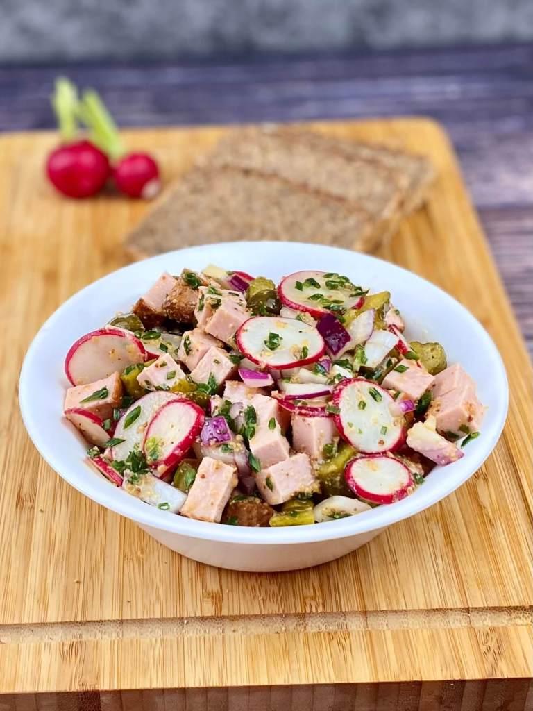 Zubereitung Leberkäse - Radieschen Salat