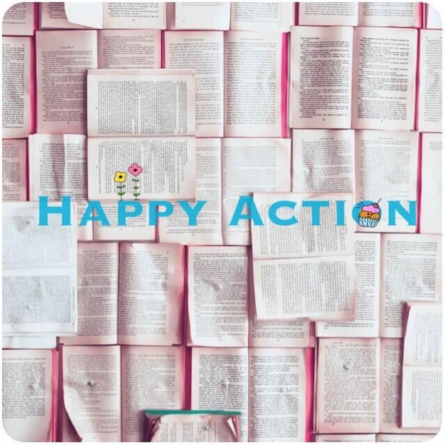 happy Actionと書いた本がたくさんある写真画像