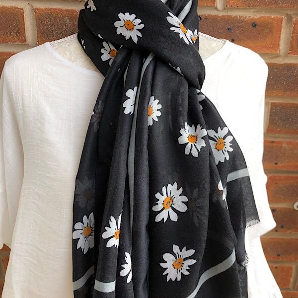 daisy scarf black