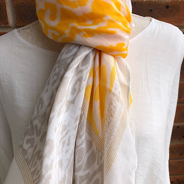 Aztec scarf taupe yellow