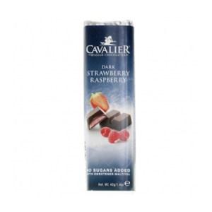 Cavalier Schokoriegel Dunkel Erdbeer-Himbeer 42g. Low Carb Schokoriegel kaufen. Cavalier Schokoladen Riegel mit Erdbeer-Himbeer Geschmack online kaufen.