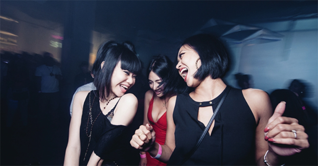bdad10b09b 16 Clubbing Tips For Singaporean Girls To Have A Safe Night Out: Adulting  With ZULA