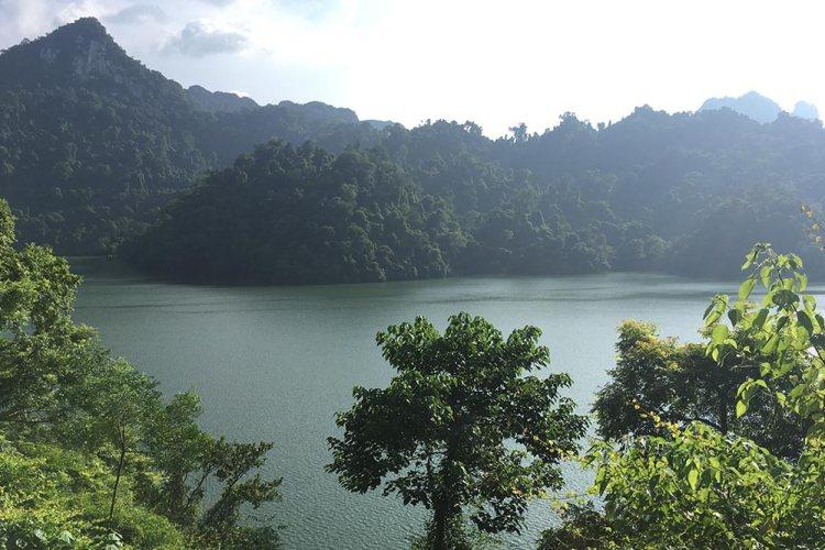 Vietnam-ba-be-lake