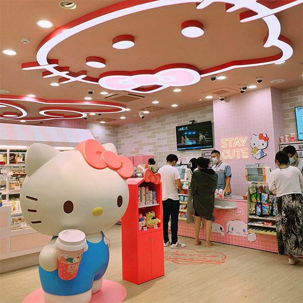 sanrio-7-eleven-main-store-HK