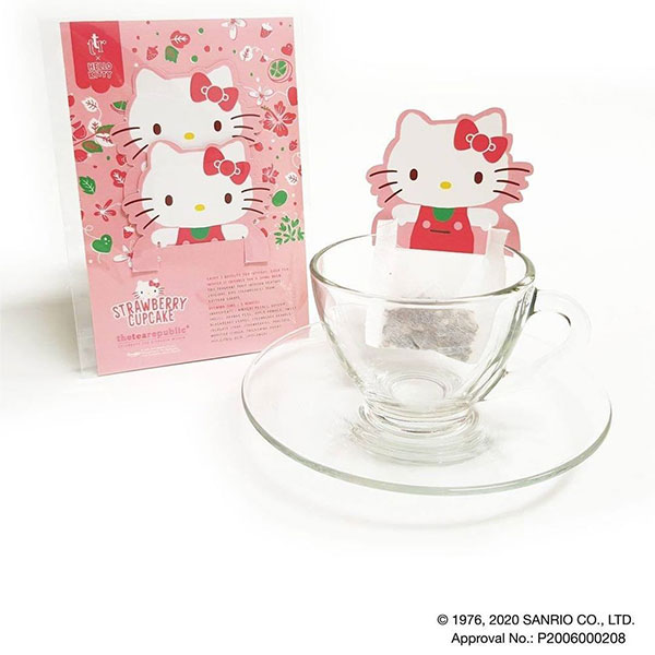 hello kitty tea strawberry cupcake