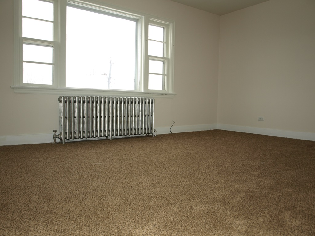 1 Bedroom Apartment for Rent: Available June 1st at St