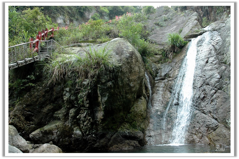 宜蘭礁溪 猴洞坑瀑布 | 狗骨窩