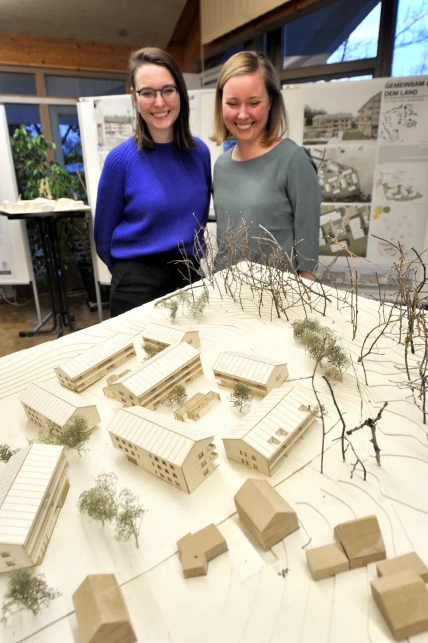 Teilsrain Architekur-Studentinnen