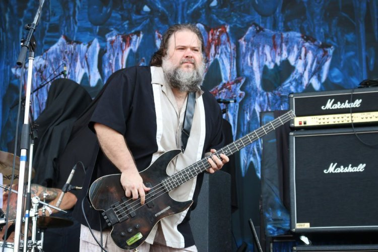 Bloodstains, Booze, and Metal: Zumic's Trip to GWAR B-Q 2014 [Review +  Photos] | Zumic | Music News, Tour Dates, Ticket Presale Info, and More