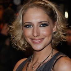short hairstyles for women 05