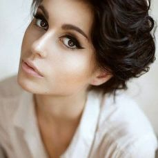 Hairstyles for curly hair 04