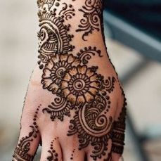 latest mehandi designs 2014 23