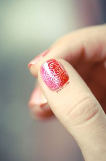nail art designs to wear on navratri 04