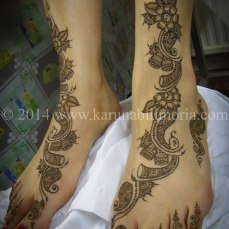 Mehndi design by Karuna 08