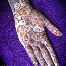 Mehndi design by Karuna 12