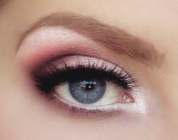 Makeup Tips for Small Eyes 03