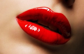 How to make thin lips look plumper 01