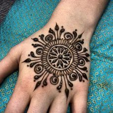 mehndi design for the summer bride 35
