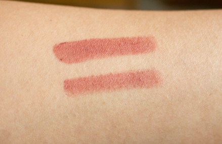 faces-ultime-pro-long-wear-matte-lipstick-peach-blush-05