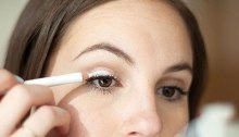 white-eyeshadow-to-look-awake-02