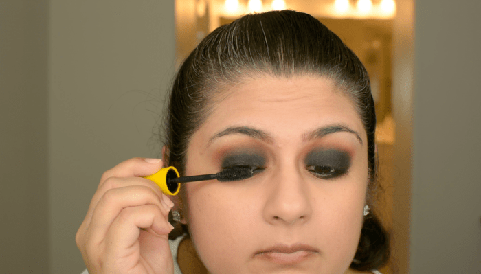 Classic Black Smokey Eye Makeup Tutorial 16