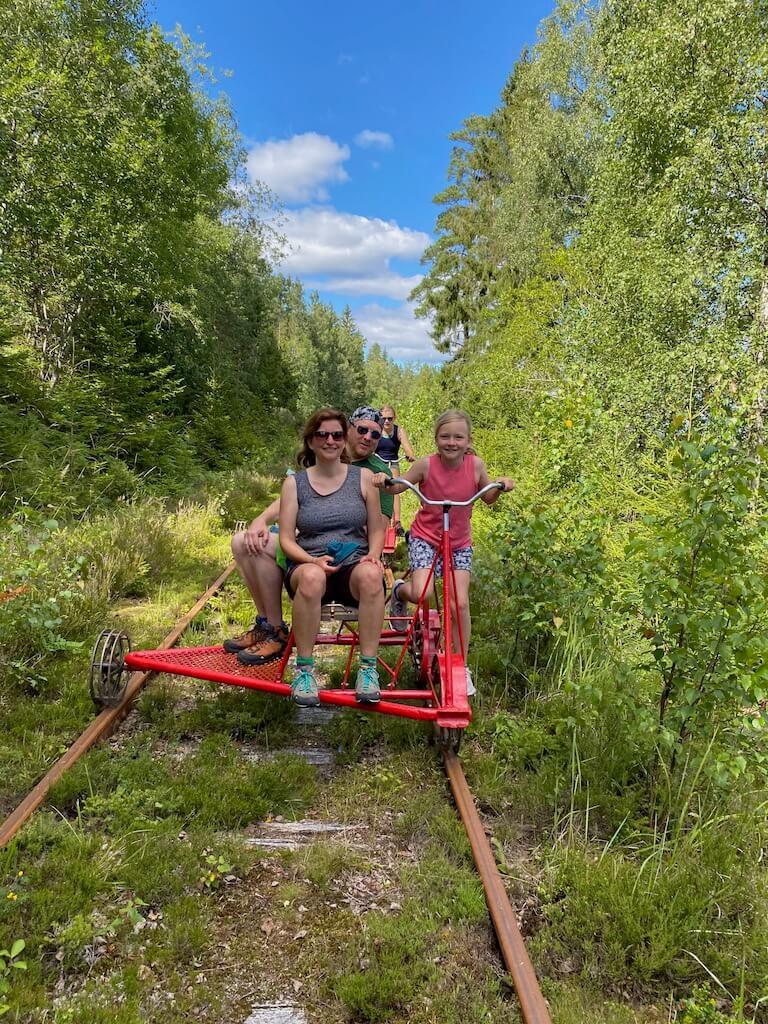 Aktivitäten in und um Bengtsfors: mit der Draisine fahren 2