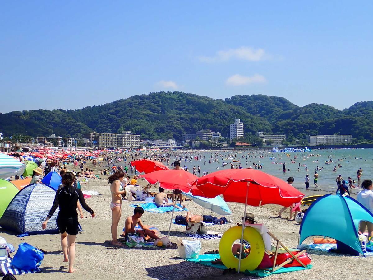うだるような暑さが続く2018年、電車で手軽に行けるファミリービーチ、逗子海岸で「ズシ浴」しましょ!