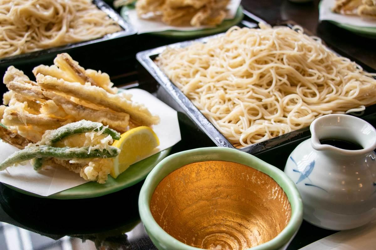 逗子近辺で行列ができる蕎麦屋の名店「竹庵」のオススメはごぼう天せいろで決まり
