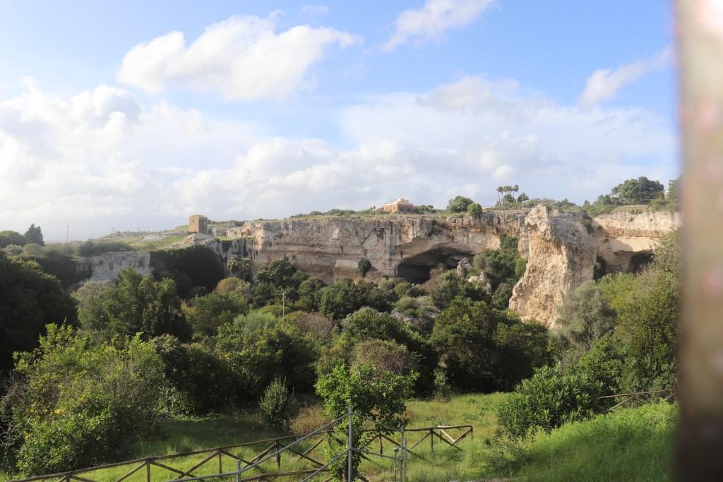 Park Archeologiczny z zewnątrz, Syrakuzy