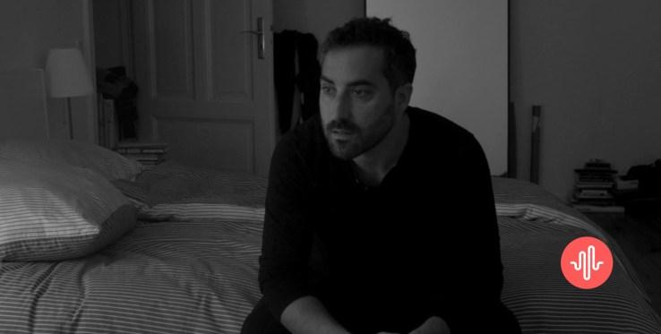 [Barruan Gaude] Zuritik beltzerako ortzadarraz margotzen du bizitza - Alain Urrutia