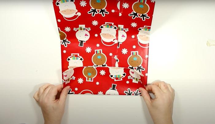 Суретте суретте көрсетілген - сыйлық, күріш қалай жинауға болады. Жаңа жылдық пакет