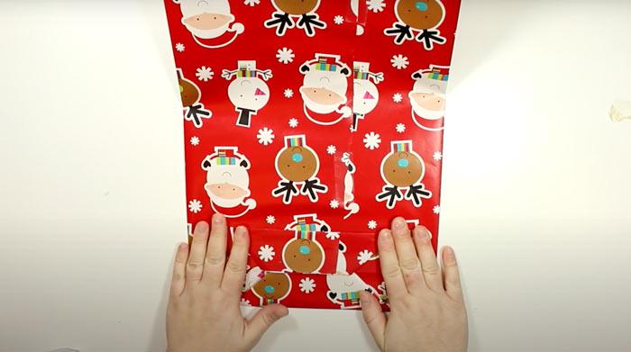 На фото изображено - Как упаковать подарок, рис. Пакет для подарка