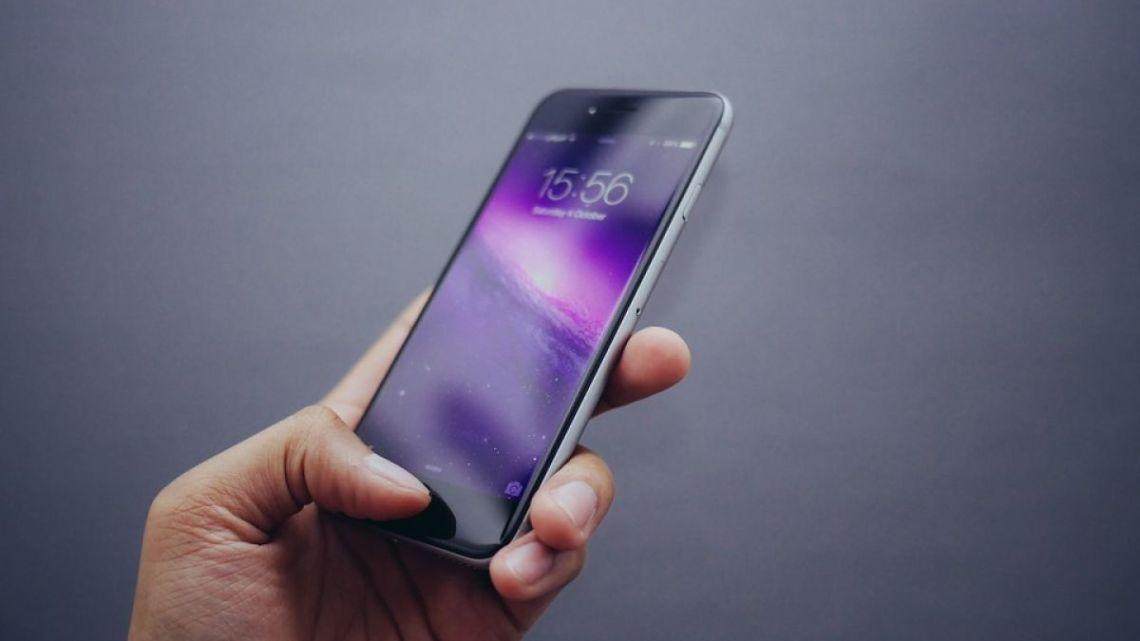 Жители Республики Алтай в три раза чаще стали выходить в Интернет с мобильных устройств